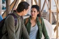 Frank Dillane as Nick Clark, Danay Garcia as Luciana; group - Fear the Walking Dead _ Season 4, Episode 4 - Photo Credit: Richard Foreman, Jr/AMC